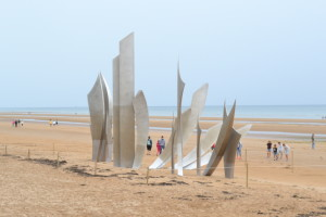 The Braves by French sculptor Anilore Banon - Omaha Beach
